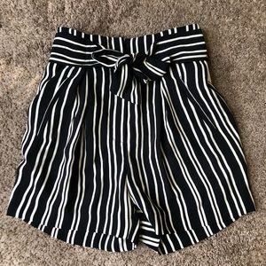 HM striped shorts